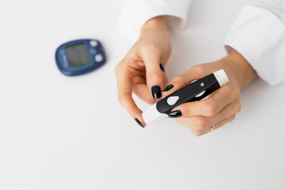 How to Use a Glucose meter: 7 Steps